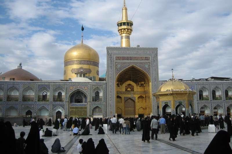 伊朗馬什哈德(Mashhad)的「伊瑪目禮薩聖陵」(Imam Reza shrine)(Iahsan@Wikipedia / CC BY-SA 3.0)
