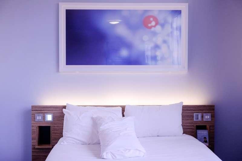 一進旅館房間就滿是菸味該怎麼辦?(圖/pixabay)