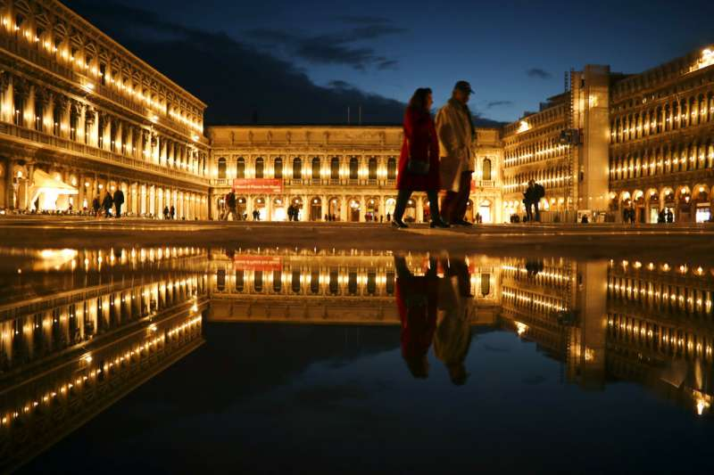 義大利威尼斯的聖馬克廣場一隅。(美聯社)