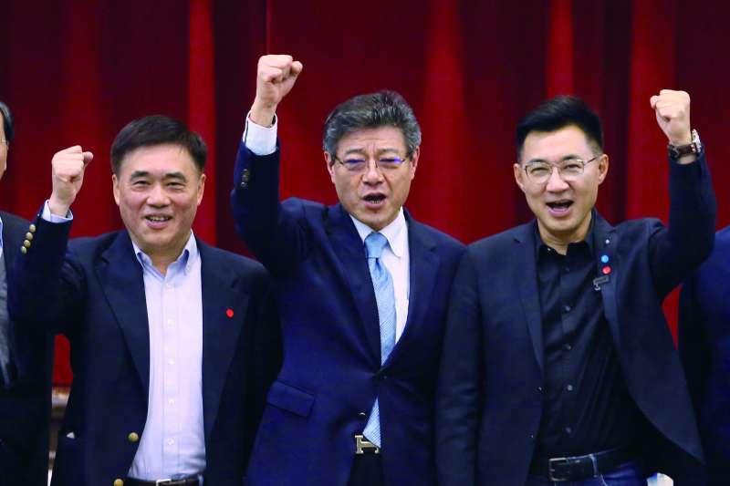 國民黨主席補選將於7日進行投票,根據TVBS最新民調,立委江啟臣(右)的改革力勝出,郝龍斌(左)的兩岸論述能力較獲青睞。(資料照,柯承惠攝)