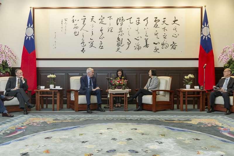 「台北法案」對台灣有利有弊,同時引來中國關注,不利於美中及兩岸關係。(資料照,取自總統府@flickr)