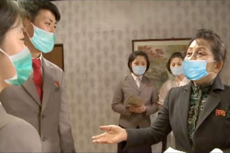 北韓口罩竟然用P的?(圖/翻攝《民主朝鮮》)