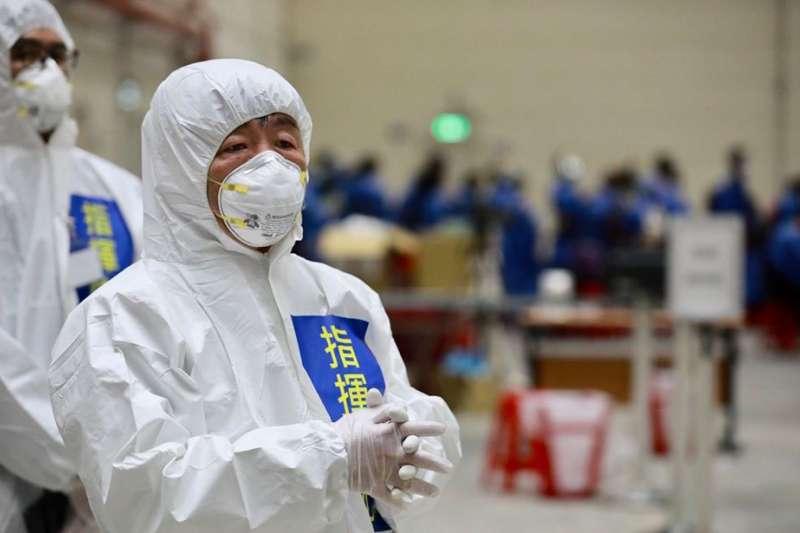 中央流行疫情中心指揮官陳時中(見圖)表示,第3批「準包機」將於29、30日啟程,一切都做了最好的準備。圖為第2批武漢包機華航專機。(資料照,疾病管制署疫情指揮中心提供)