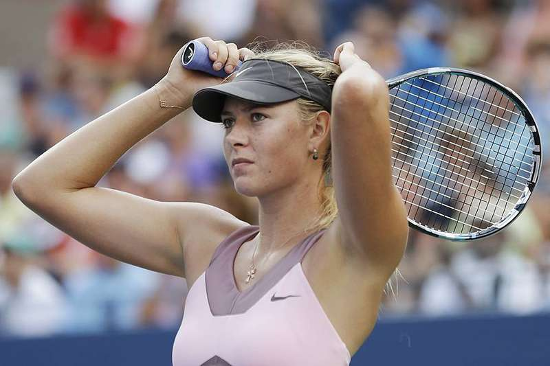 俄羅斯網球好手莎拉波娃飽受肩傷困擾,決定高掛球鞋。(美聯社)