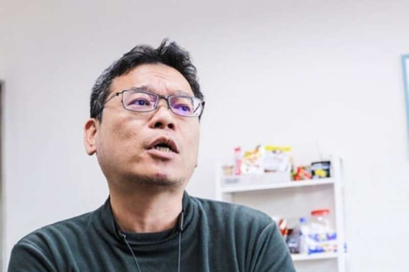 前台北市文化基金會副執行長張益贍遭開除民眾黨籍後,轉職擔任外送員。(資料照,取自張益贍臉書)