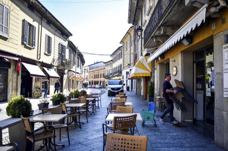 義大利人民被政府要求「留在家中、哪也別去」。(美聯社)