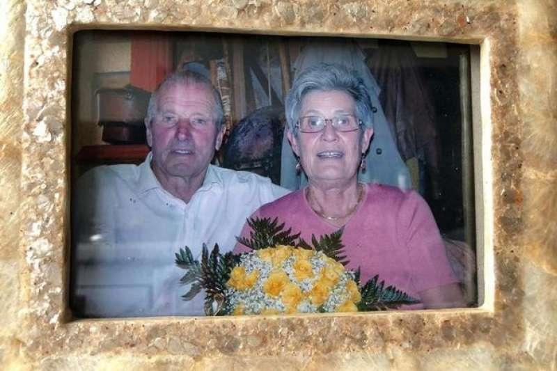 北義男子魯卡的父母雙雙因為武漢肺炎過世。(翻攝推特)