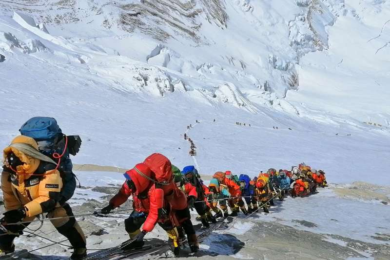 因應武漢肺炎(新冠肺炎)疫情,尼泊爾宣布取消聖母峰2020年所有登山許可。(AP)