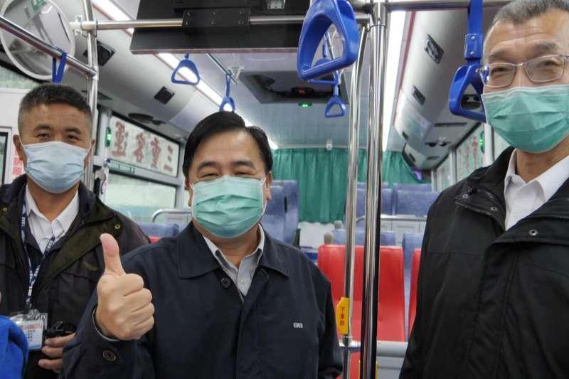 三重客運藍38公車的6名駕駛在家自主健康管理後健康情況一切良好,今天返回工作崗位,每個人都很開心。(圖/新北市交通局提供)