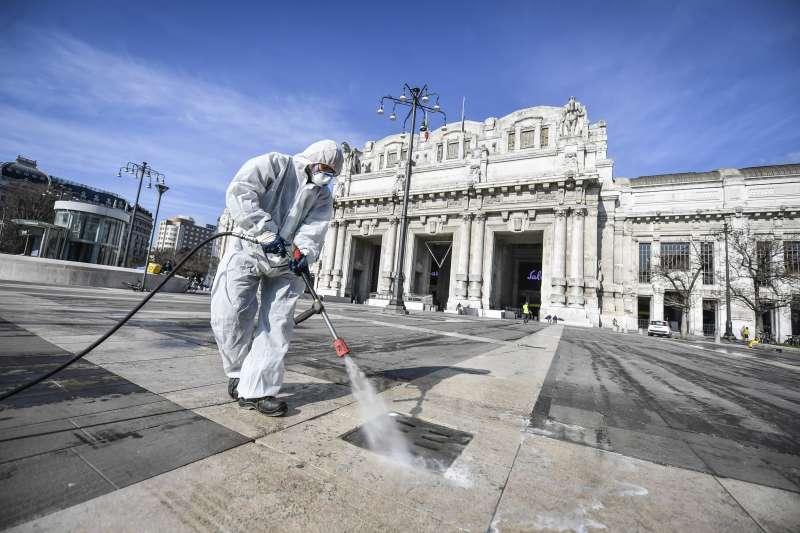 歐洲疫情嚴重,引發政治與經濟效應。(AP)