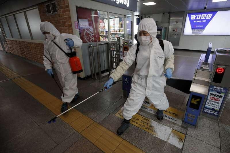 2020年3月,南韓武漢肺炎(新冠肺炎)疫情趨緩,但防疫工作不敢鬆懈(AP)