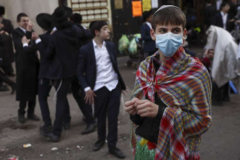 武漢肺炎:以色列猶太孩童戴口罩(AP)
