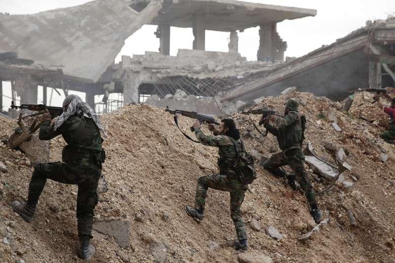 敘利亞內戰中的政府軍(AP)