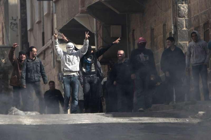 2011年3月23日,2020年3月,敘利亞南部大城達拉(Daraa)爆發反政府示威,當時敘國已進入內戰狀態(AP)