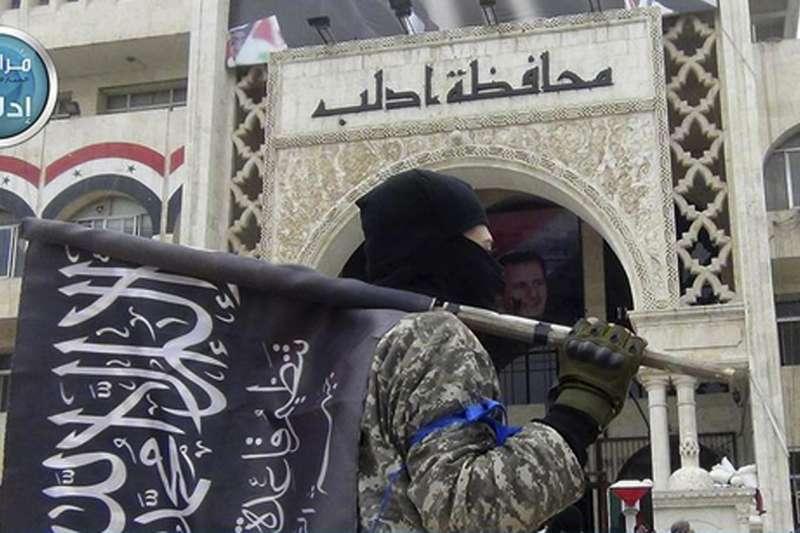 敘利亞內戰中,與恐怖組織「基地」掛鉤的反抗軍(AP)
