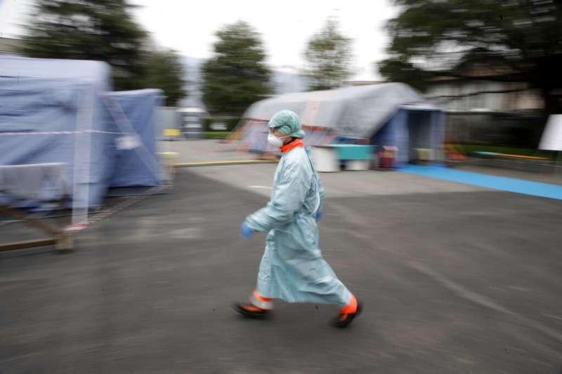義大利疫情肆虐,16日確診人數已經逼近2萬5千人。(美聯社)