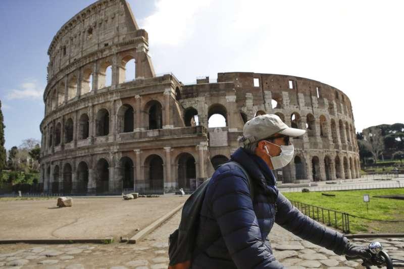 義大利受到新冠肺炎肆虐,至今已累計11萬5242人確診、1萬3915人死亡。神父呂若瑟聽聞家鄉陷入醫療資源匱乏的困境,難過地請求台灣民眾幫忙。(資料照,美聯社)