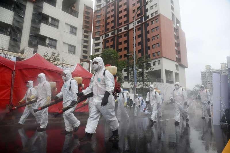 台灣在全球武漢肺炎疫情中,因為「超前部署」,目前疫情看似還在掌控範圍內。圖為新北市這次超前部署的演習。(圖片由新北市新聞局提供)