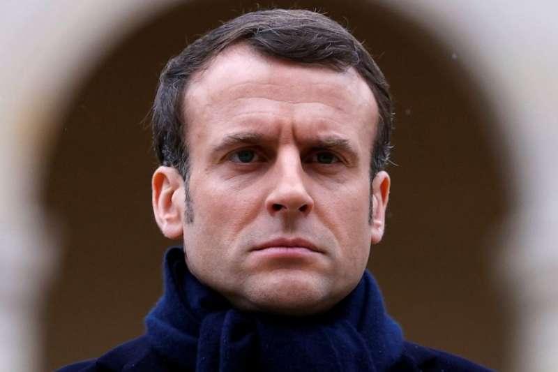 法國總統馬克宏16日宣布,從17日中午起,法國民眾必須待在家中,嚴禁外出,此禁令維持至少15天(美聯社)