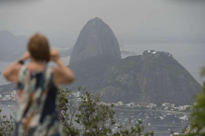 武漢肺炎:巴西里約熱內盧熱門景點糖麵包山(AP)