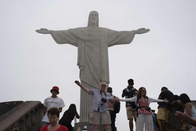 武漢肺炎:巴西里約熱內盧熱門景點基督像(AP)