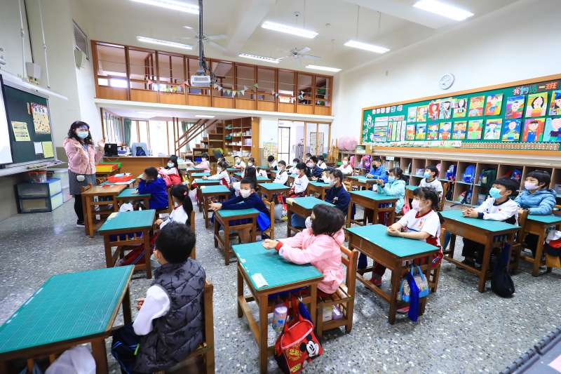 行政院長蘇貞昌宣示,2022年全國高中以下學校,要達到班班有冷氣目標。示意圖。(資料照,台中市政府提供)