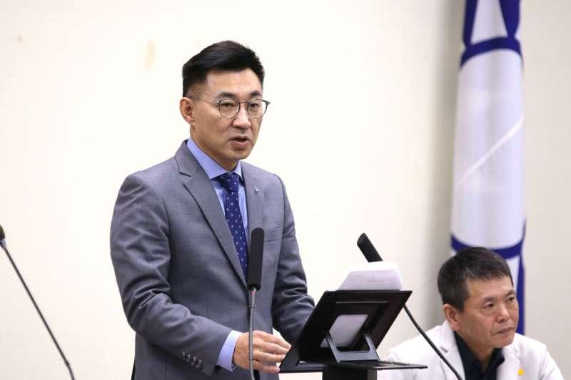 江啟臣(左)如何助韓國瑜度過罷免危機,成為他要面對的棘手難題。(柯承惠攝)