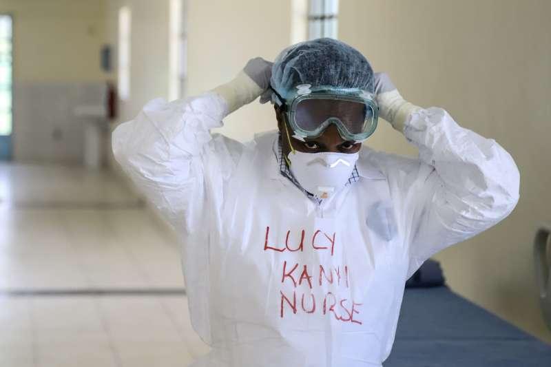 武漢肺炎:肯亞防疫人員(AP)