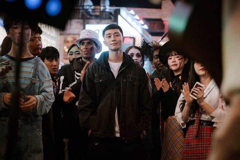 Netflix強檔韓劇《梨泰院class》將於本周迎來大結局,影迷無不引頸期待。(圖/網路溫度計)