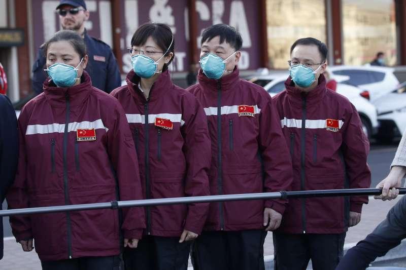 2020年3月,新冠肺炎(武漢肺炎,COVID-19)疫情蹂躪義大利,中國醫療人員馳援(AP)
