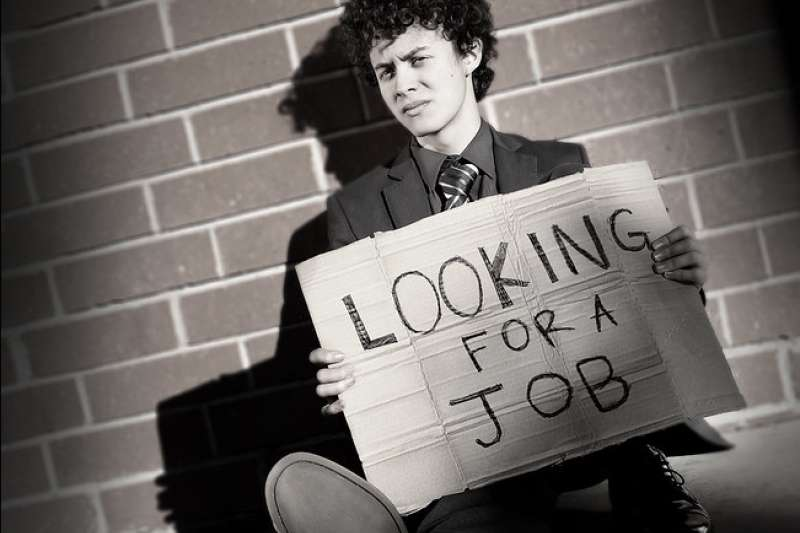 美國銀行經濟學家宣布全球經濟進入衰退,美國工作機會大量流失,預計四月才會回溫。(圖/ flickr)