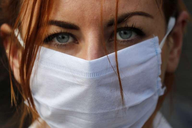 英國的武漢肺炎疫情延燒,英國政府請輕症患者在家自我隔離7天(美聯社)