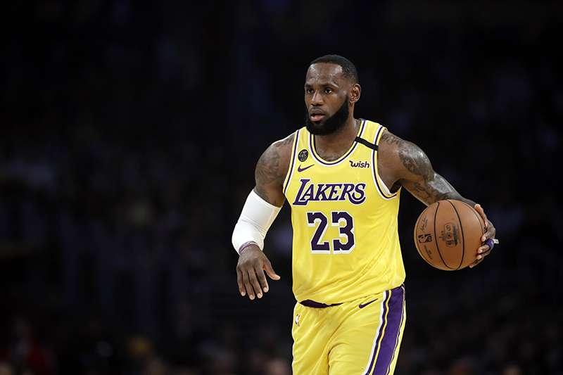 洛杉磯湖人球星詹姆斯,表達自己願意在洛杉磯退休。(美聯社)