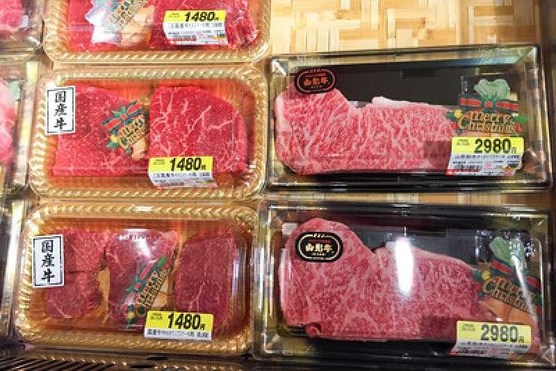 日本和牛批發價格近期慘跌。(kentwang@Flickr/CC BY-SA 2.0)