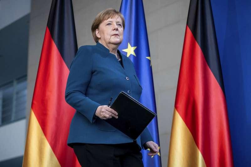 德國總理梅克爾也在家隔離十四天。(美聯社)
