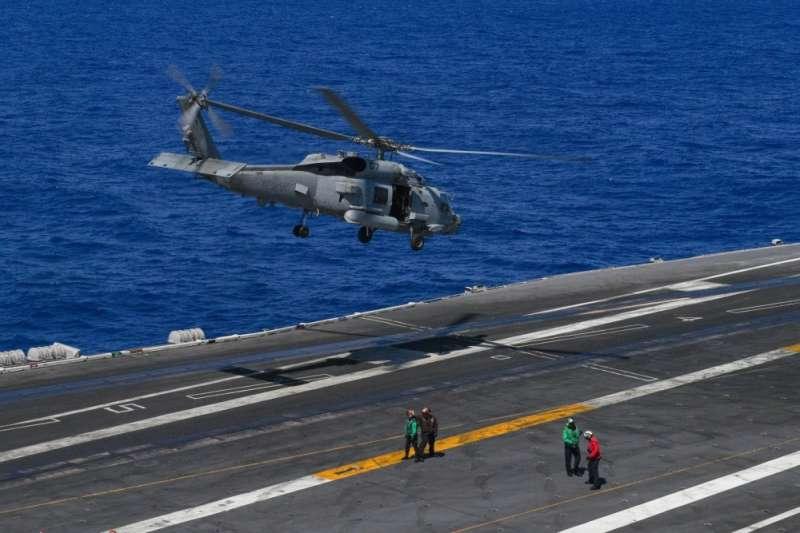 正在西太平洋參加軍演的美軍羅斯福號航空母艦。(美軍第七艦隊臉書)