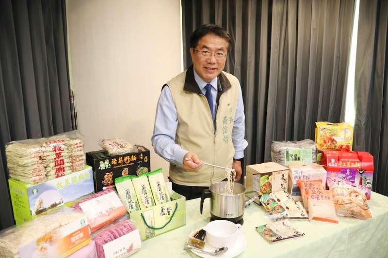 台南市長黃偉哲(見圖)表示,台南確診案例少且採檢能量充分,歡迎民眾連假來台南觀光。(資料照,台南市政府新聞及國際關係處提供)