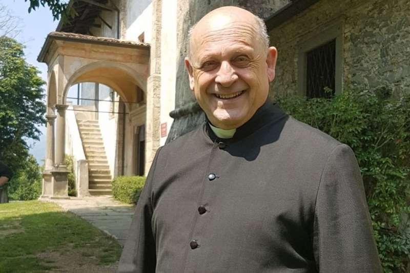 72歲的義大利神父貝拉德利遭到感染後病逝。(取自@sahouraxo推特)