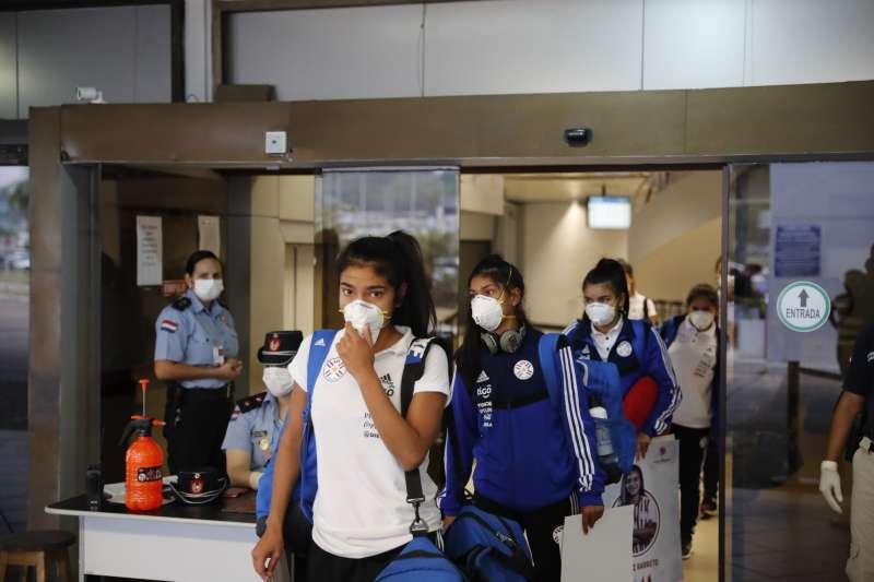 武漢肺炎:我國提供南美友邦巴拉圭口罩和呼吸器等防疫醫療物資(AP)