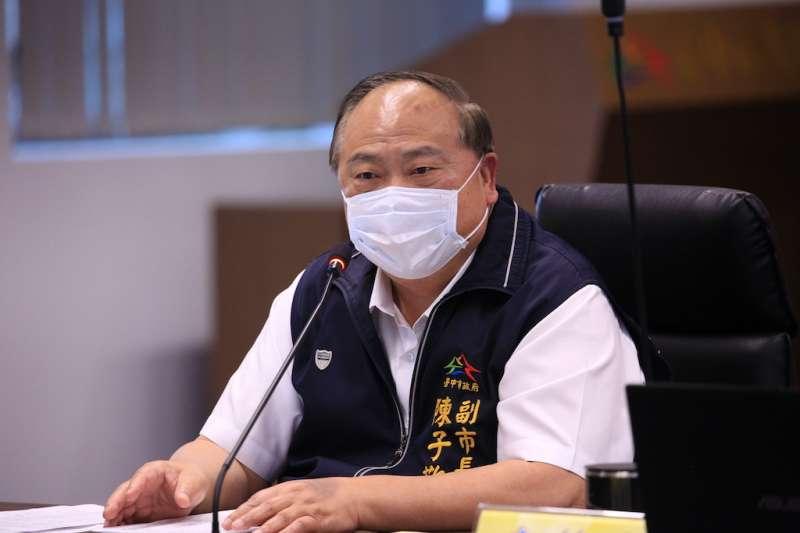 中市道安會議中提出智慧停車設施建置執行情形,副市長陳子敬表示,市府藉由智慧科技改善停車便利性。(圖/臺中市政府提供)
