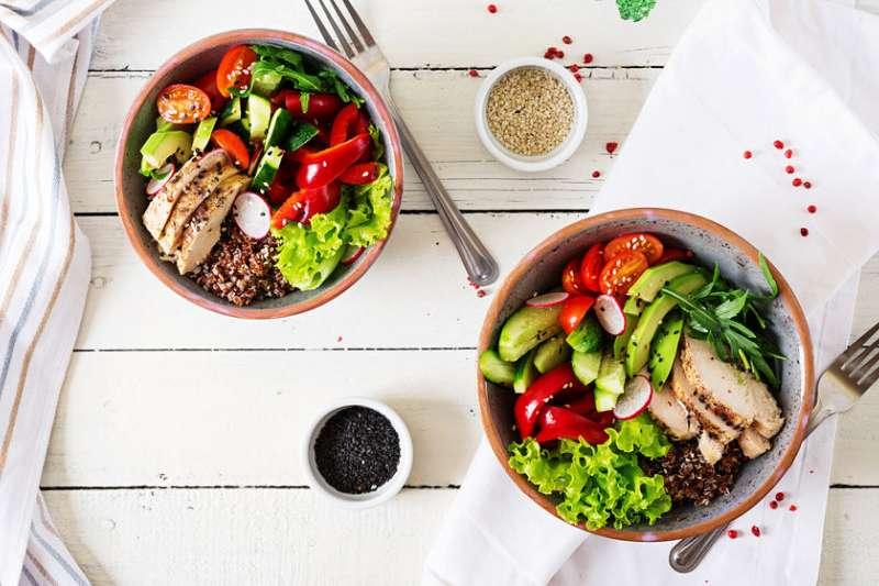 隨著樂活(LOHAS)風潮成為顯學,愈來愈多民眾選擇綠色消費、安全飲食。(圖/王道銀行提供)
