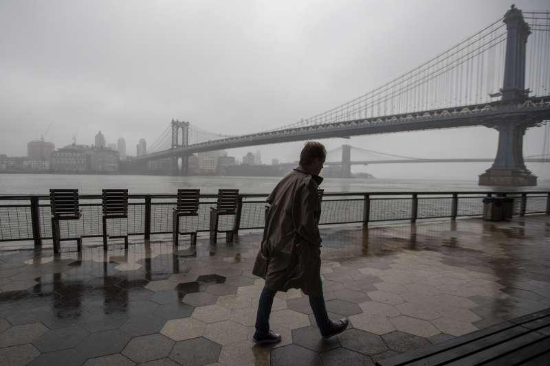 新冠肺炎疫情重創紐約州,累計死亡人數近千人(AP)