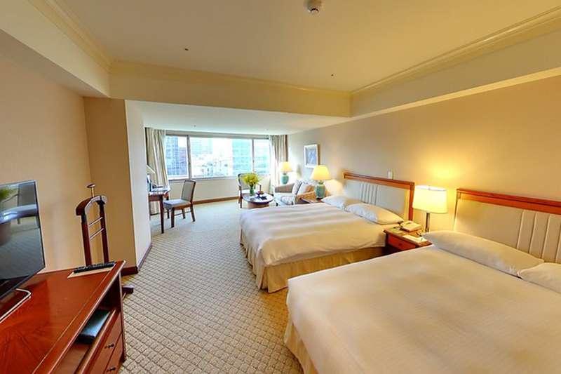 清明連假國內旅館業者訂房率回升,醫師擔憂疫情擴散。(圖/flickr@Kenming Wang)