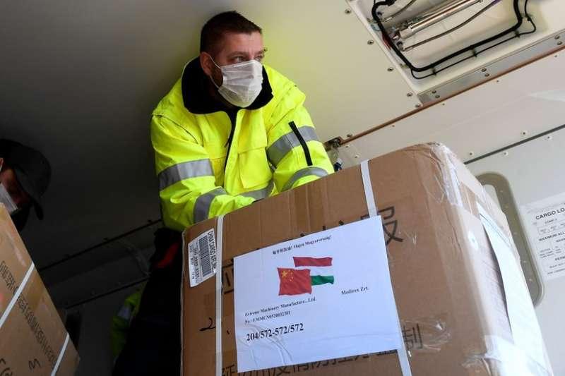 中國向多國捐贈或出售大量防疫物資。(BBC)