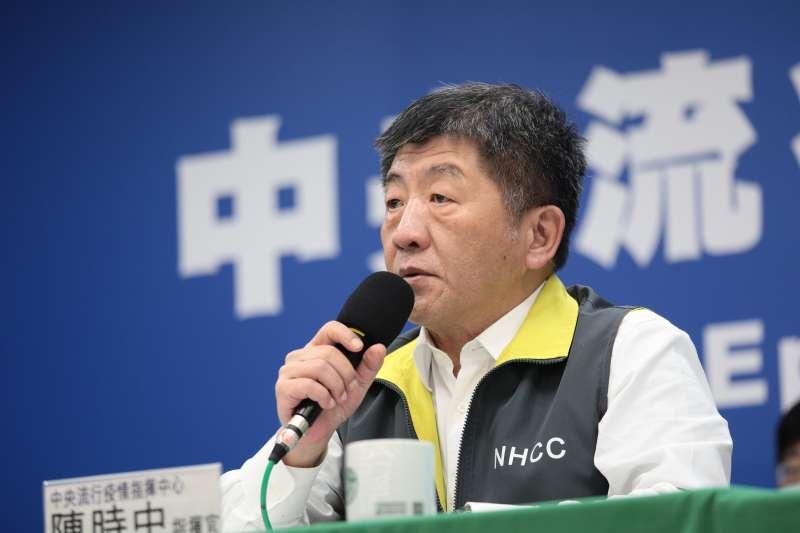 中央疫情中心指揮官陳時中(見圖)對陸生恐嚇言論做出回應,指出防疫是整個團隊的結果,「我是可以被取代的」。(資料照,指揮中心提供)