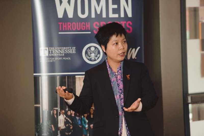 劉柏君是台灣第一位棒協認證的女裁判、國際棒球裁判,回首一路走來的艱辛,她說:「人是貴在選擇權,什麼是自由?自由就是我有選擇權。我是可以被尊重。我要愛我自己的選擇。」(劉柏君提供)