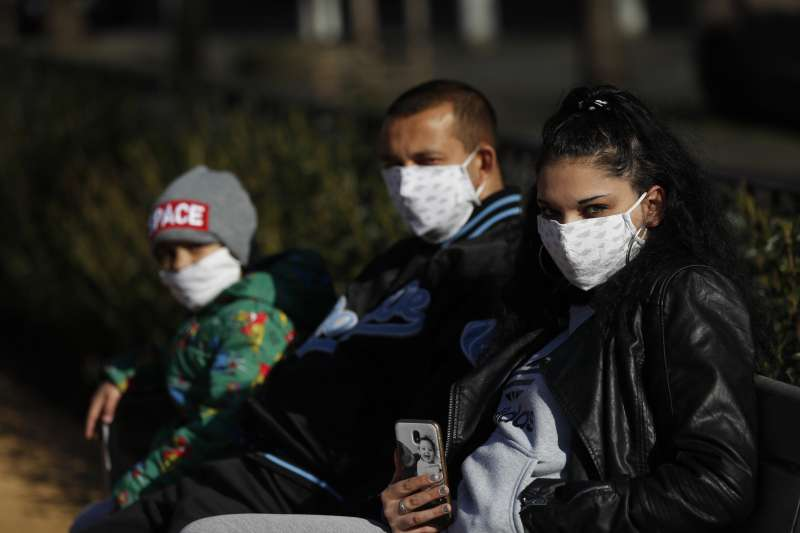 武漢肺炎:台灣捐口罩和呼吸器給捷克,展開防疫外交(AP)