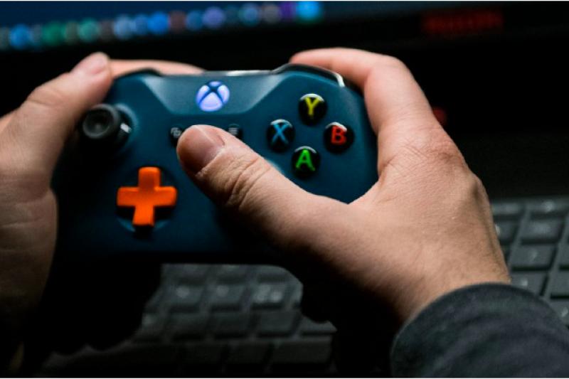 2019年WHO 將電玩成癮(Gaming Disorder)列為精神疾病。(圖片來源:GETTY IMAGE)