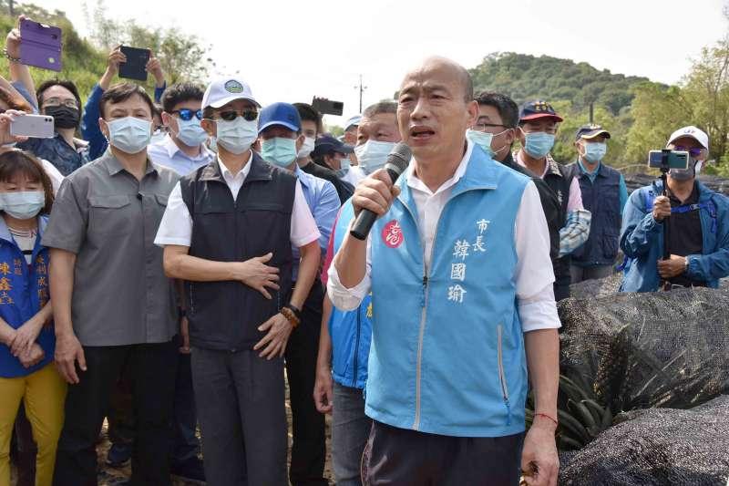 高雄市長韓國瑜(見圖)聲請停止罷韓,反韓粉專「高雄好過日」認為,韓國瑜過往不提訴訟,現在才提,顯然是現在才知道怕了。(資料照,高雄市政府提供)