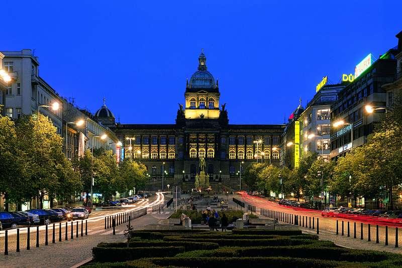聖溫賽拉斯廣場(Václavské náměstí)